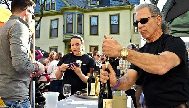 Wine talk encourages Wine Stroll patrons to expand their palates