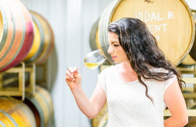 """""""This Jewish Family Has Been Making Honey Wine for 150 Years"""" – Kveller"""
